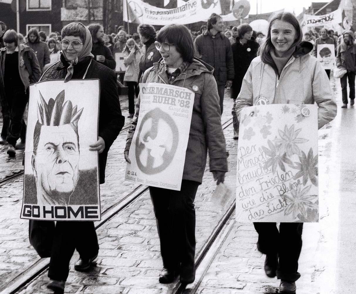 Ostermarsch Ruhr 1982 — Reagan Go Home